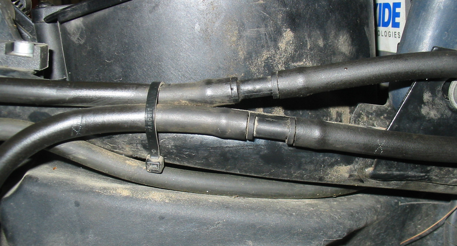 Fuel Tank Plumbing R1150rt Engine Diagram Vent And Drain Hoses At The Right Frame Rail Notice X Marks On Lower Hose